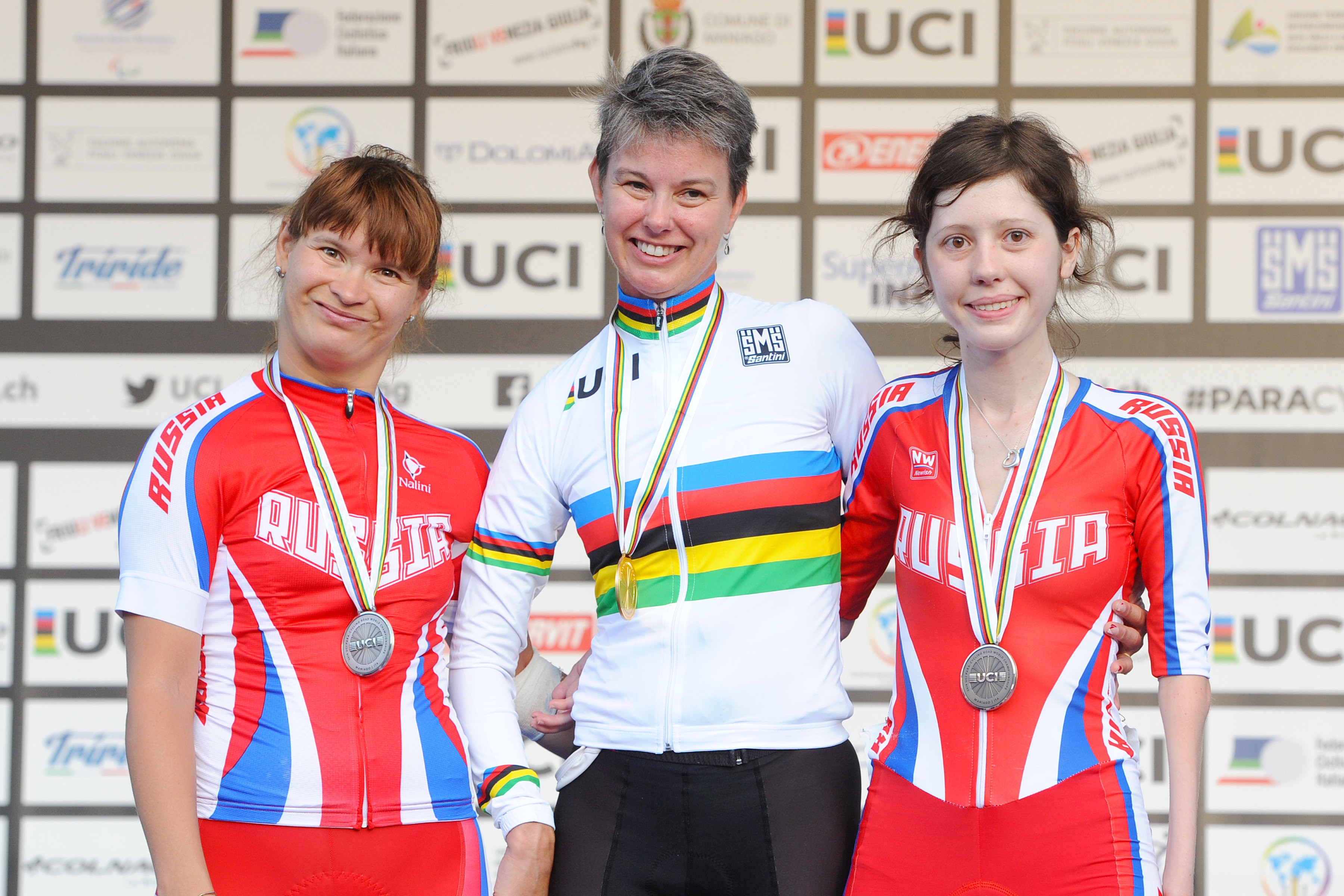 Shelley Gautier in her rainbow jersey at the UCI Para Cycling Road World Championships