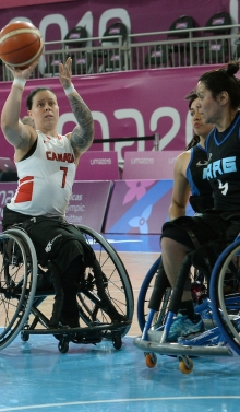 Cindy Ouellet plays wheelchair basketball at the Lima 2019 games